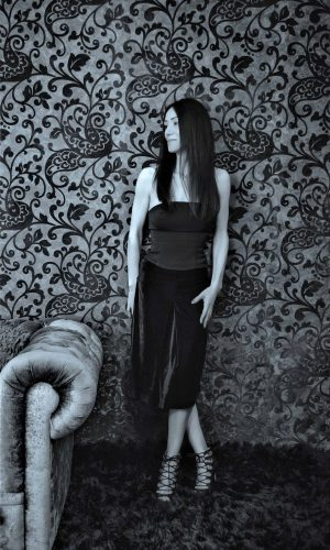 fusta catifea neagra