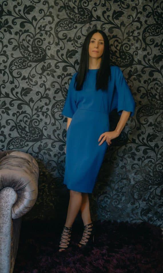 Rochie-albastra-dreapta-maneca-fluture-scurta.jpg